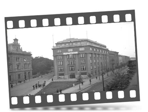 """Kadr zfilmu """"Kraków widziany zkrążownika"""""""